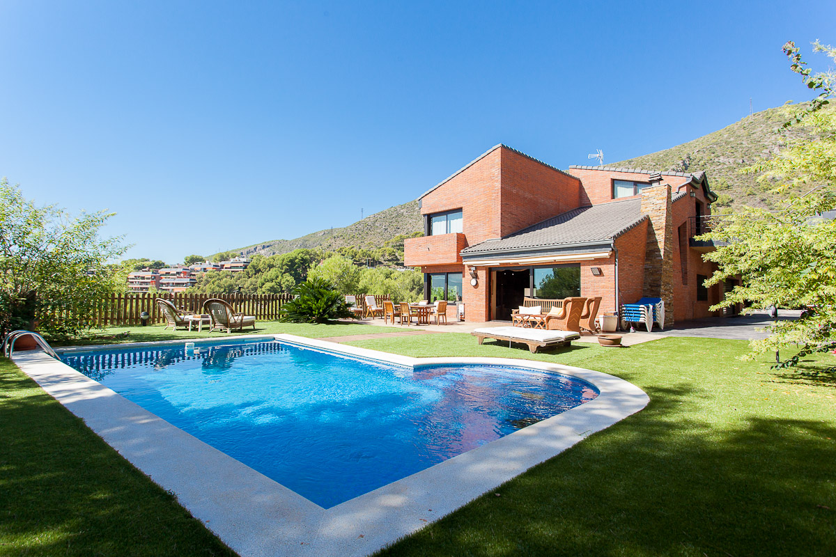 Single Family Home for Sale at Magnificent House with Panoramic Views in Castelldefels Castelldefels, Barcelona, 08866 Spain