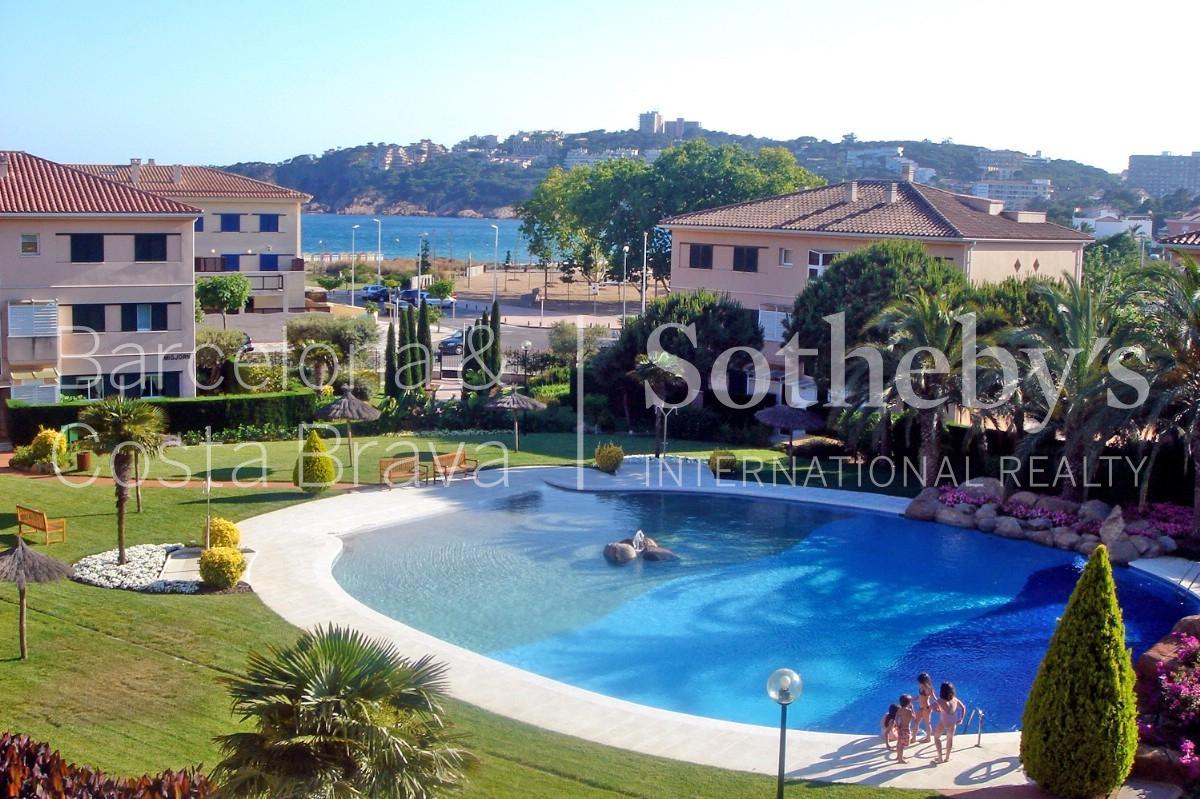 단독 가정 주택 용 매매 에 Terraced house near the beach with sea views S'Agaro, Costa Brava 17248 스페인