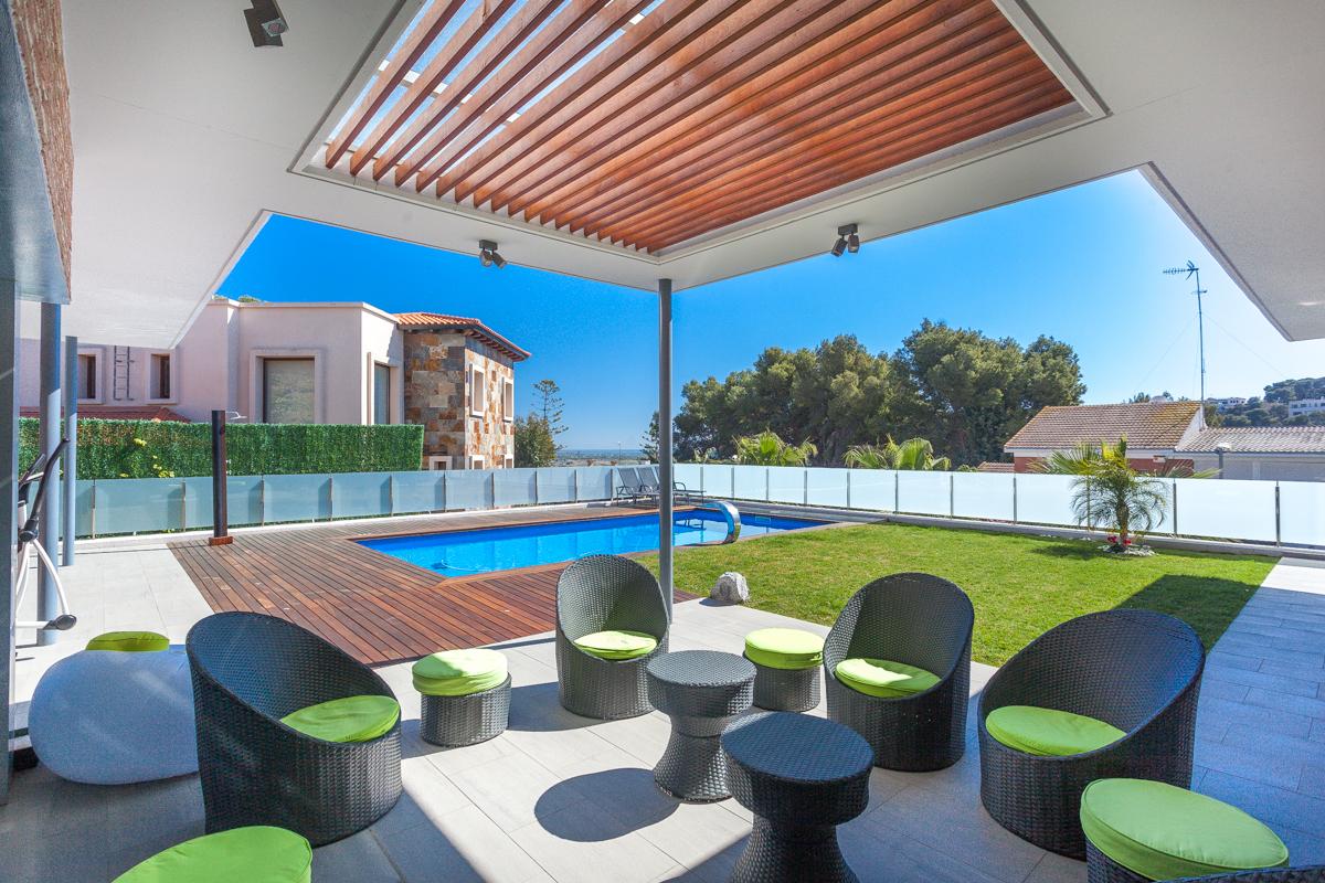獨棟家庭住宅 為 出售 在 Magnificent Property with Exclusive Views of the Sea Castelldefels, Barcelona, 08866 西班牙