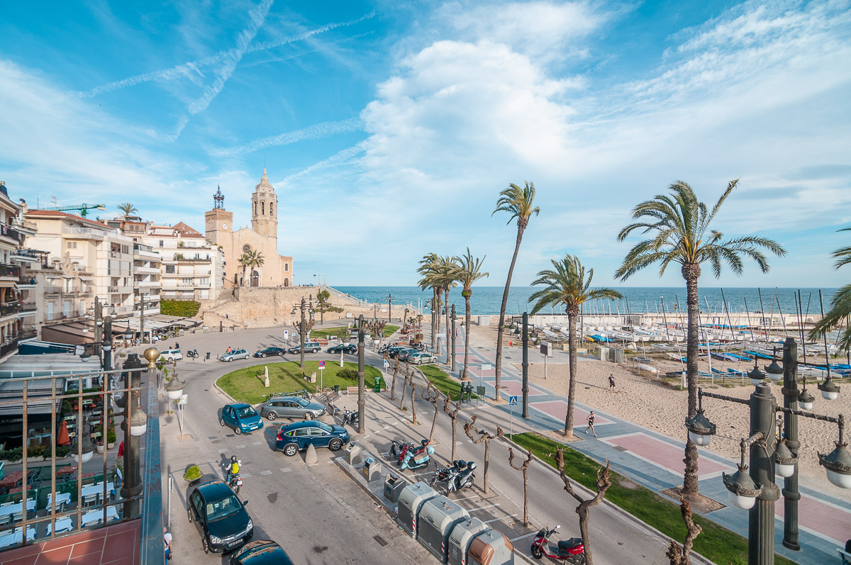 Appartement pour l Vente à Sunny apartment in historic building facing the beach in Sitges Sitges, Barcelona, 08870 Espagne