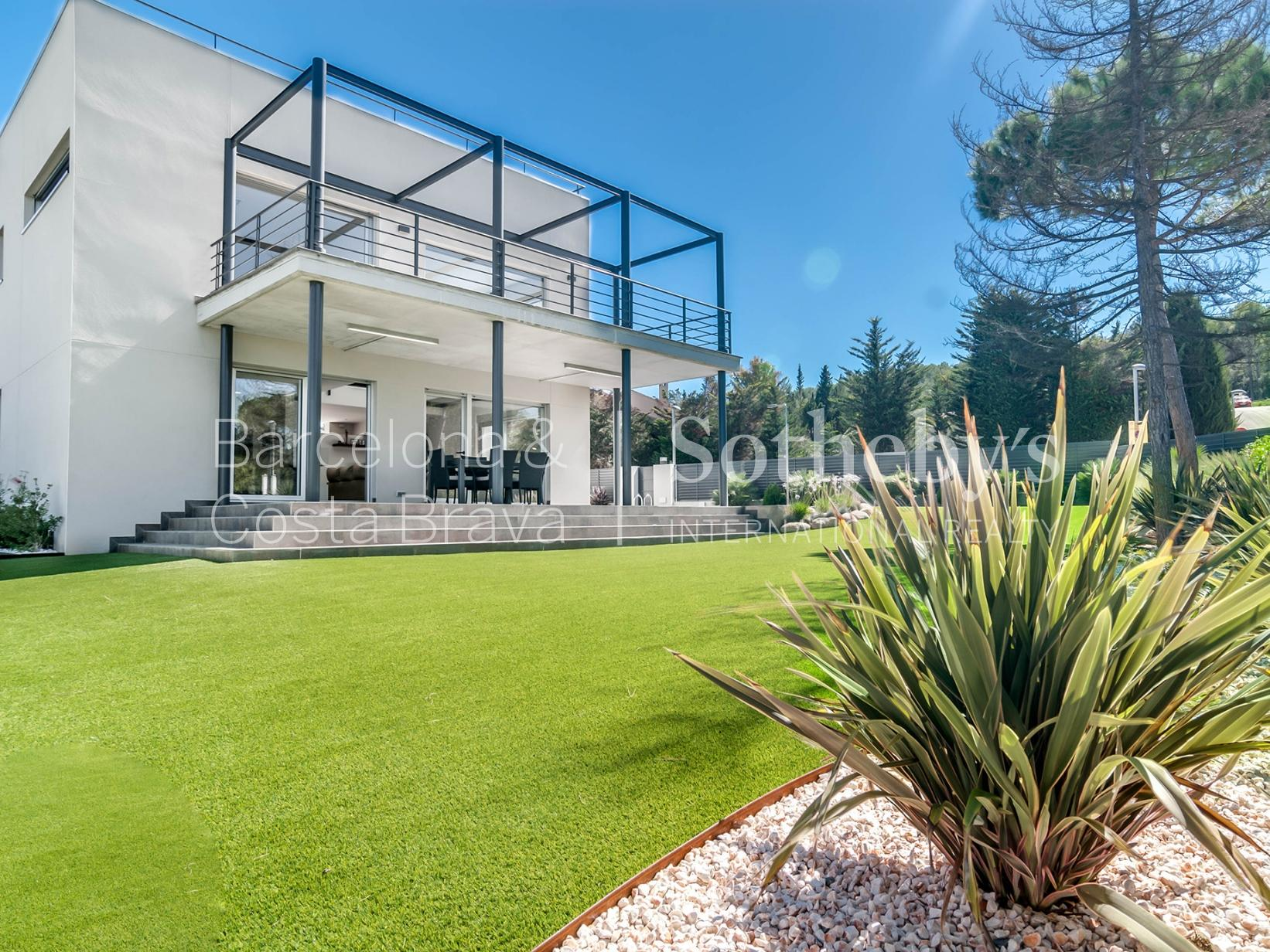 Single Family Home for Sale at Modern and Functional Property in Valldoreix Sant Cugat Del Valles, Barcelona 08172 Spain