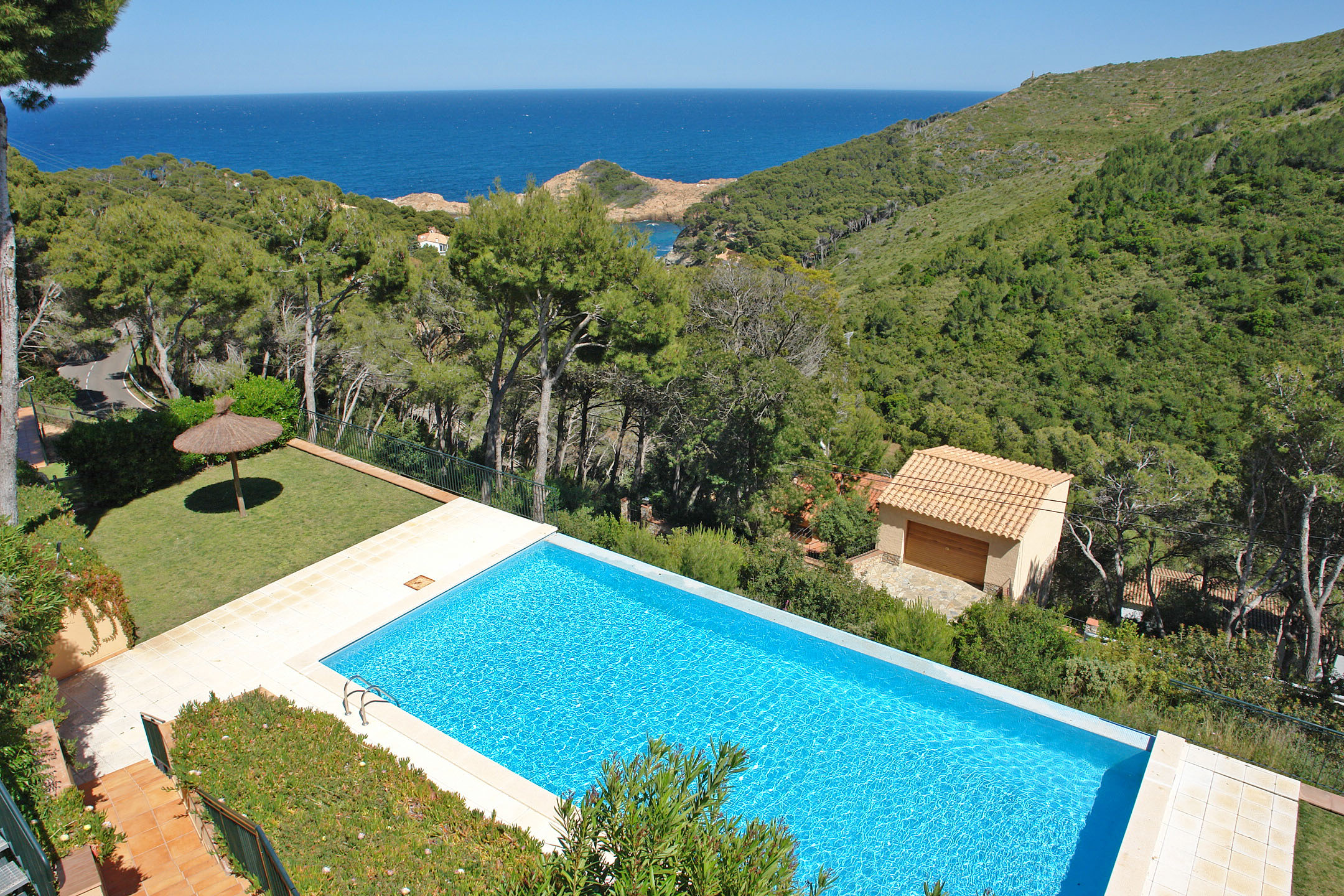 Einfamilienhaus für Verkauf beim Beautiful terraced houses for sale close to Sa Tuna, Begur Begur, Costa Brava 17255 Spanien
