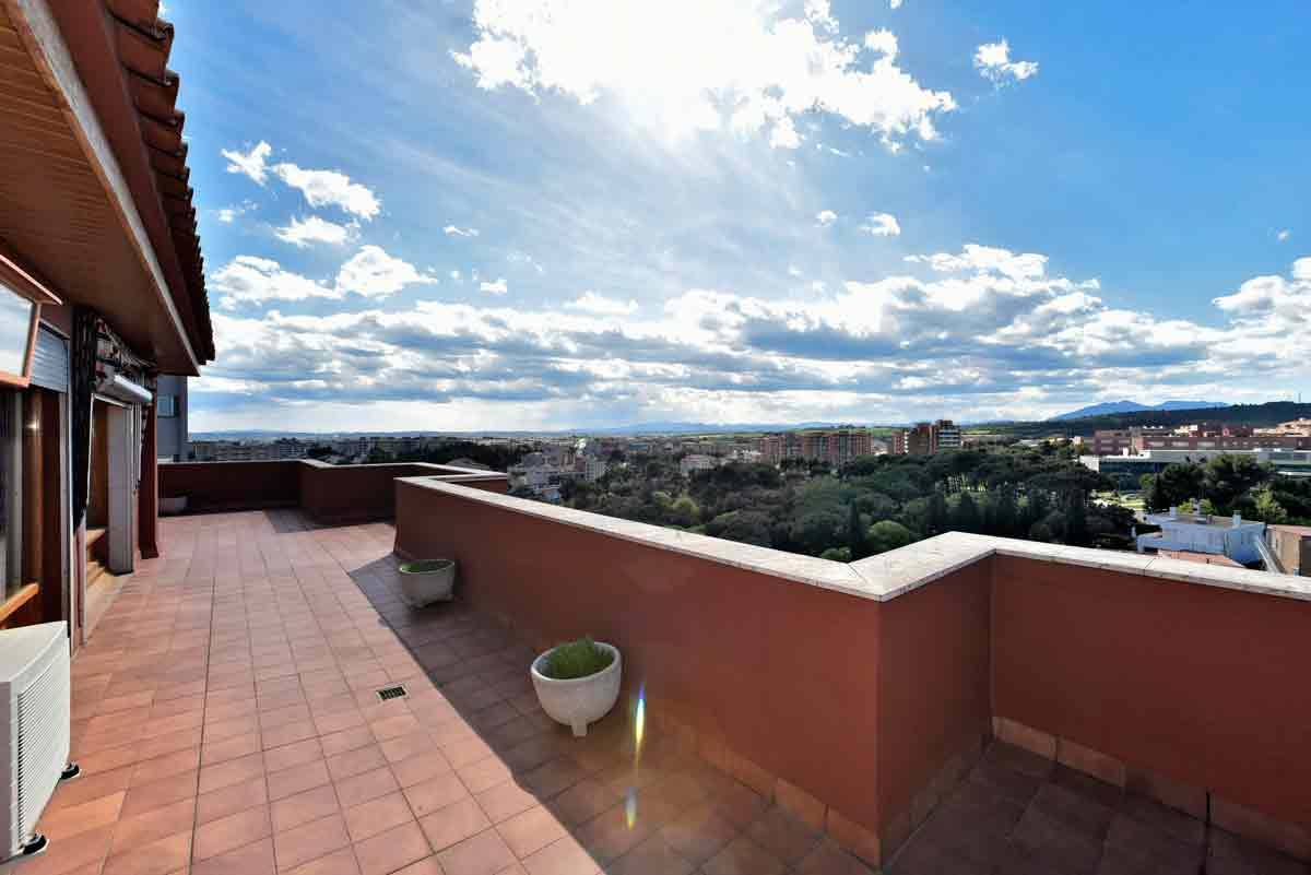 Apartment for Sale at Luxury apartment above the roofs of Figueres. Other Cities Alt Emporda, Barcelona, 17600 Spain