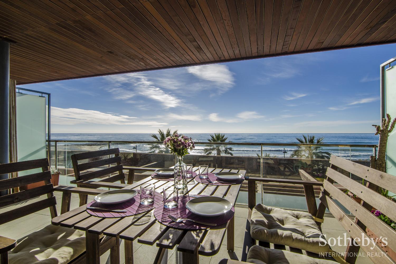 Apartamento por un Venta en Spectacular seafront apartment Other Cities Barcelona South Coast, Barcelona 08921 España