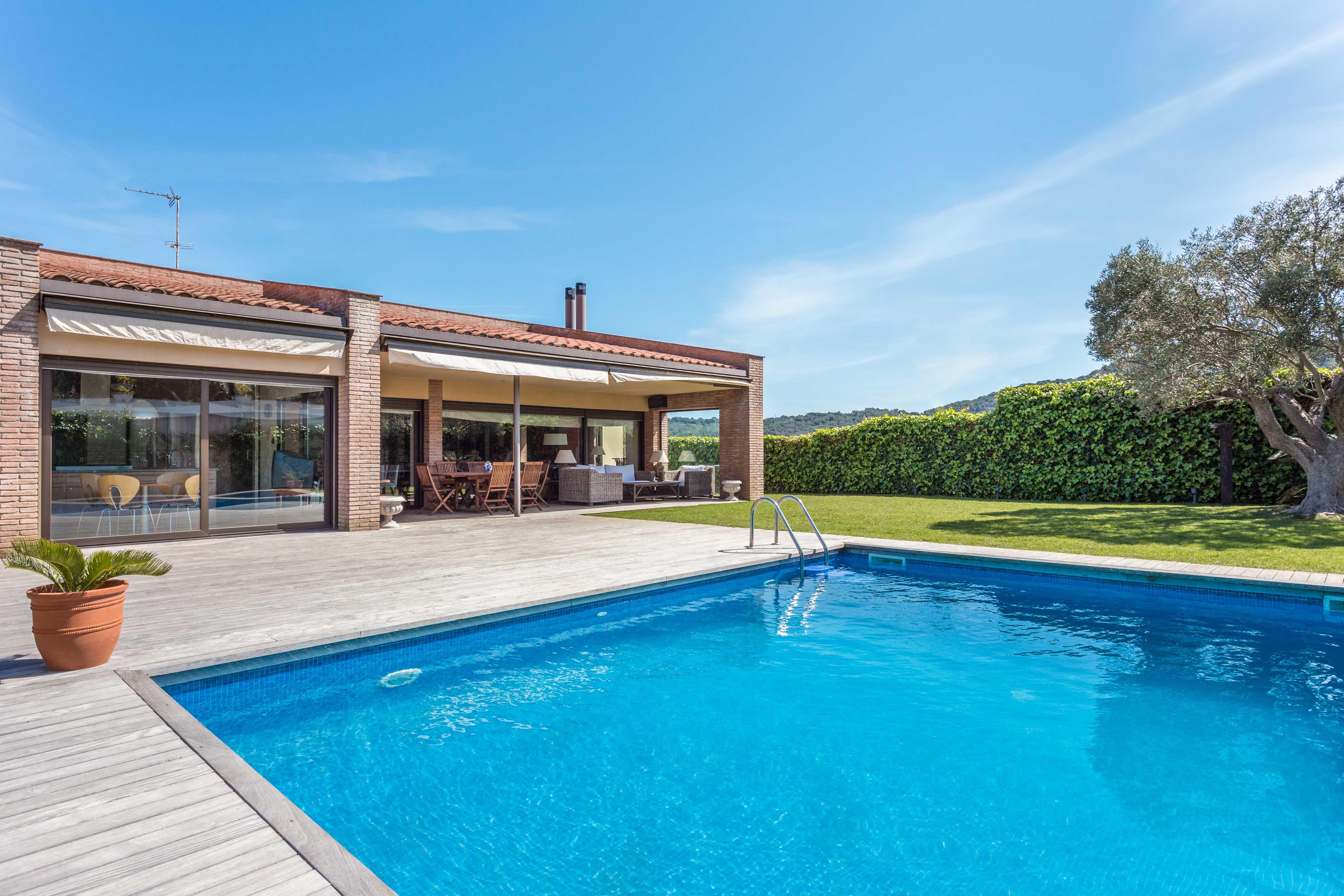 獨棟家庭住宅 為 出售 在 Elegant property in quiet setting in Sant Feliu de Guíxols Sant Feliu De Guixols, Costa Brava 17220 西班牙