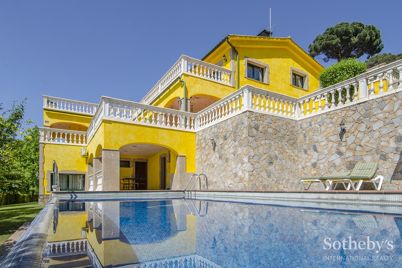 Einfamilienhaus für Verkauf beim Unique and Exclusive Property in Cabrils Cabrils, Barcelona 08348 Spanien