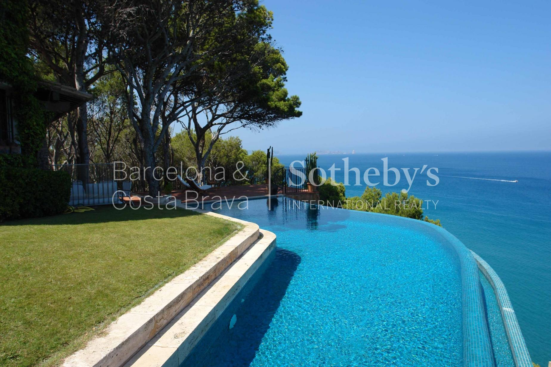Property For Sale at A diamond in the rough in Sa Riera, Begur with views