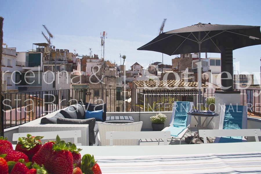 Casa para uma família para Venda às Designer house in the charming town of Sitges Sitges, Barcelona 08870 Espanha