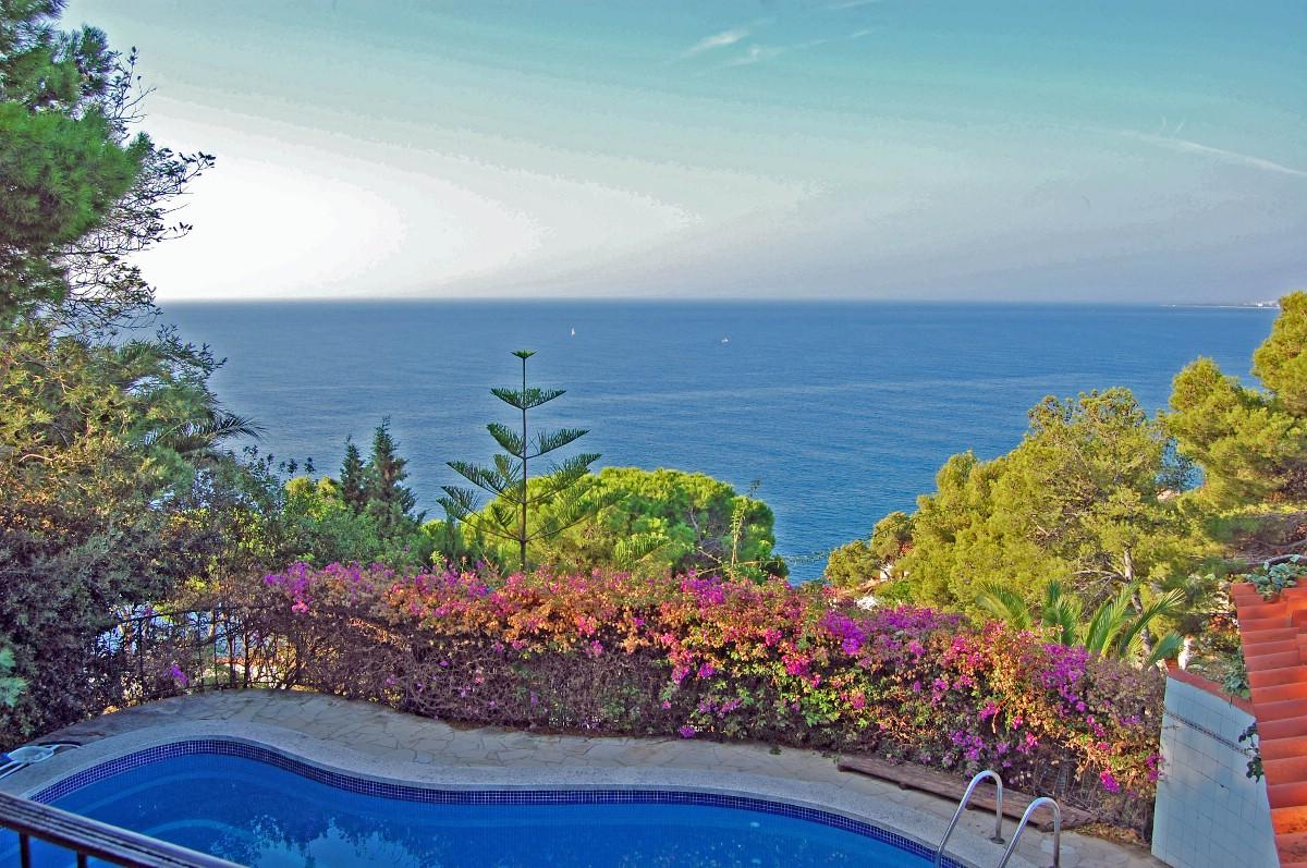 独户住宅 为 销售 在 Charming villa with sea views Lloret De Mar, Costa Brava 17310 西班牙