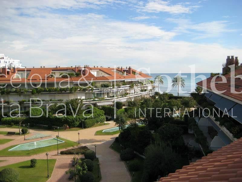 アパート のために 売買 アット Sea Front Apartment on the Beach in Sitges Sitges, Barcelona 08870 スペイン