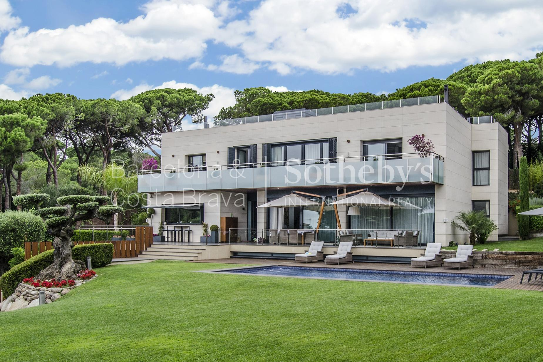 Property For Sale at Exclusive Designer House with Spectacular Sea Views on Barcelona´s Coast