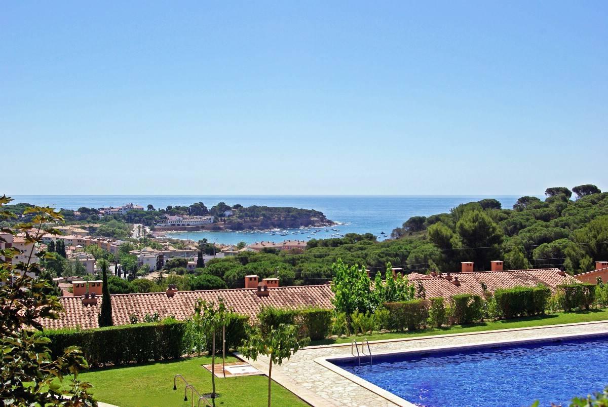 Tek Ailelik Ev için Satış at Terraced house 600 meters from the beach of S'Agaró S'Agaro, Costa Brava, 17248 Ispanya
