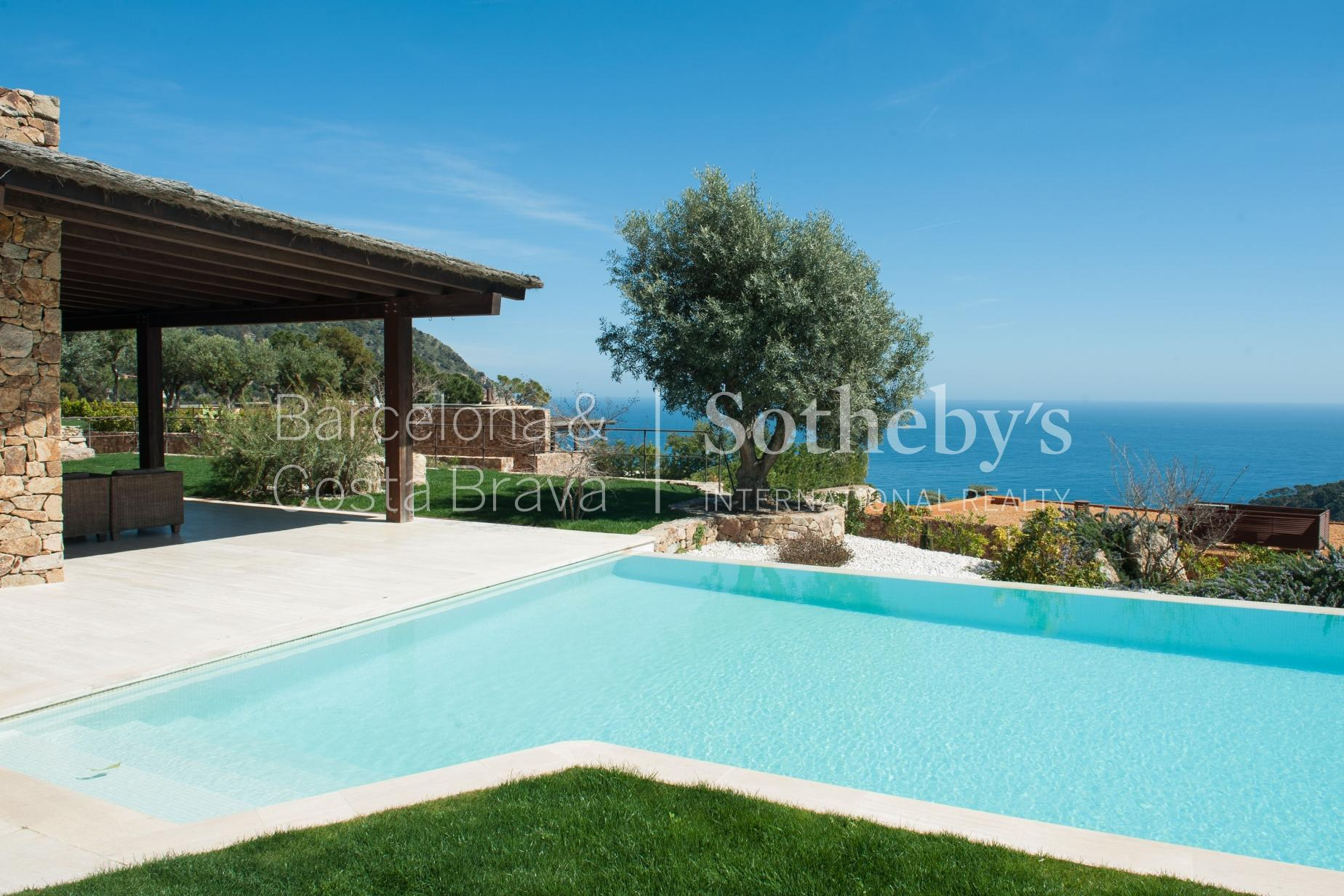 Vivienda unifamiliar por un Venta en Luxury villa in prestigious area surrounded by sea and mountains Begur, Costa Brava 17255 España