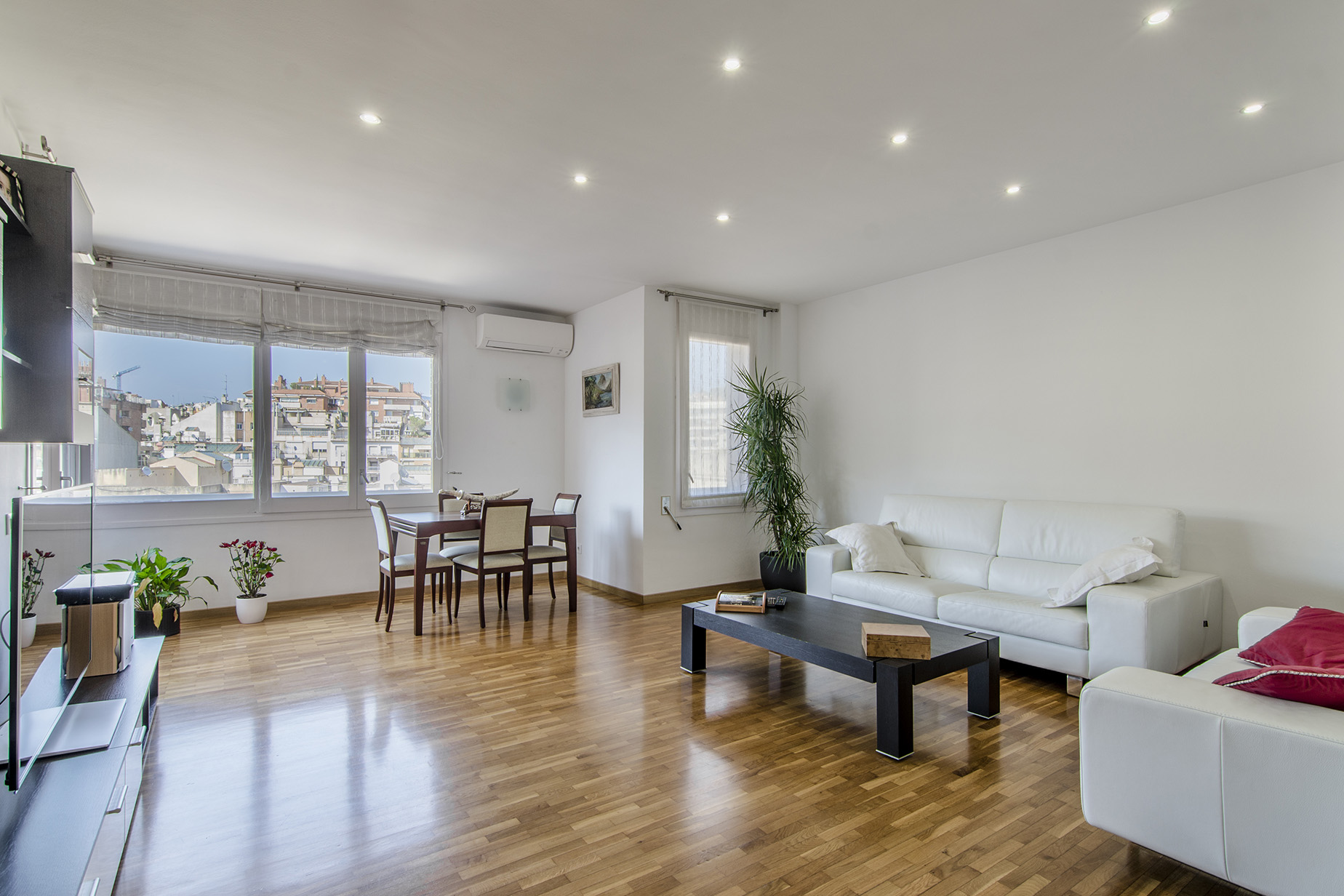 Apartment for Sale at Renovated Apartment in Plaza Bonanova Barcelona City, Barcelona, 08034 Spain
