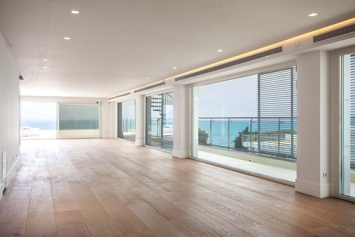 Appartement pour l Vente à Unique seafront penthouse Sant Andreu De Llavaneres, Barcelona 08392 Espagne