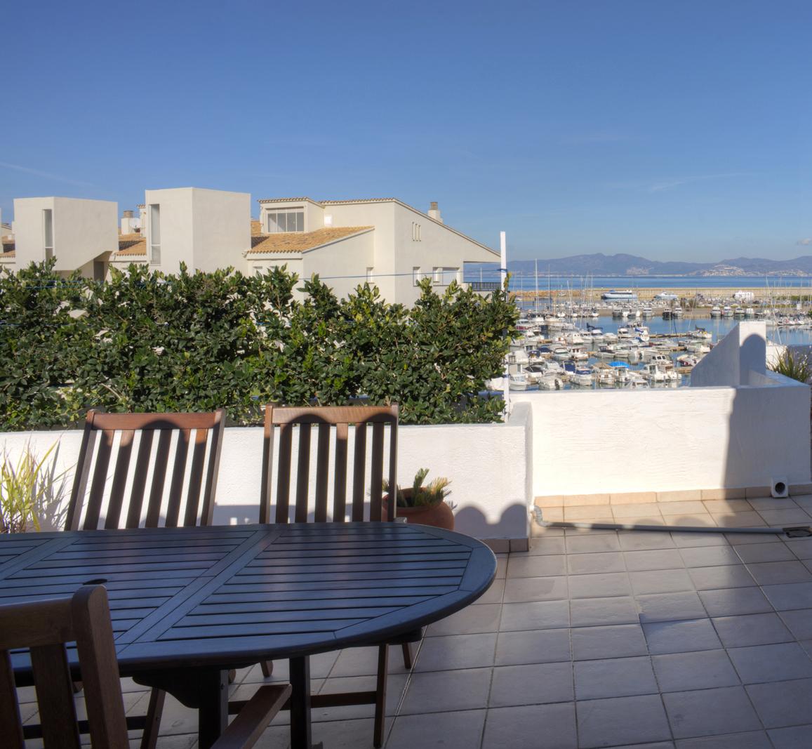 Căn hộ vì Bán tại Elegant and spacious penthouse overlooking the marina L Escala, Costa Brava, 17130 Tây Ban Nha