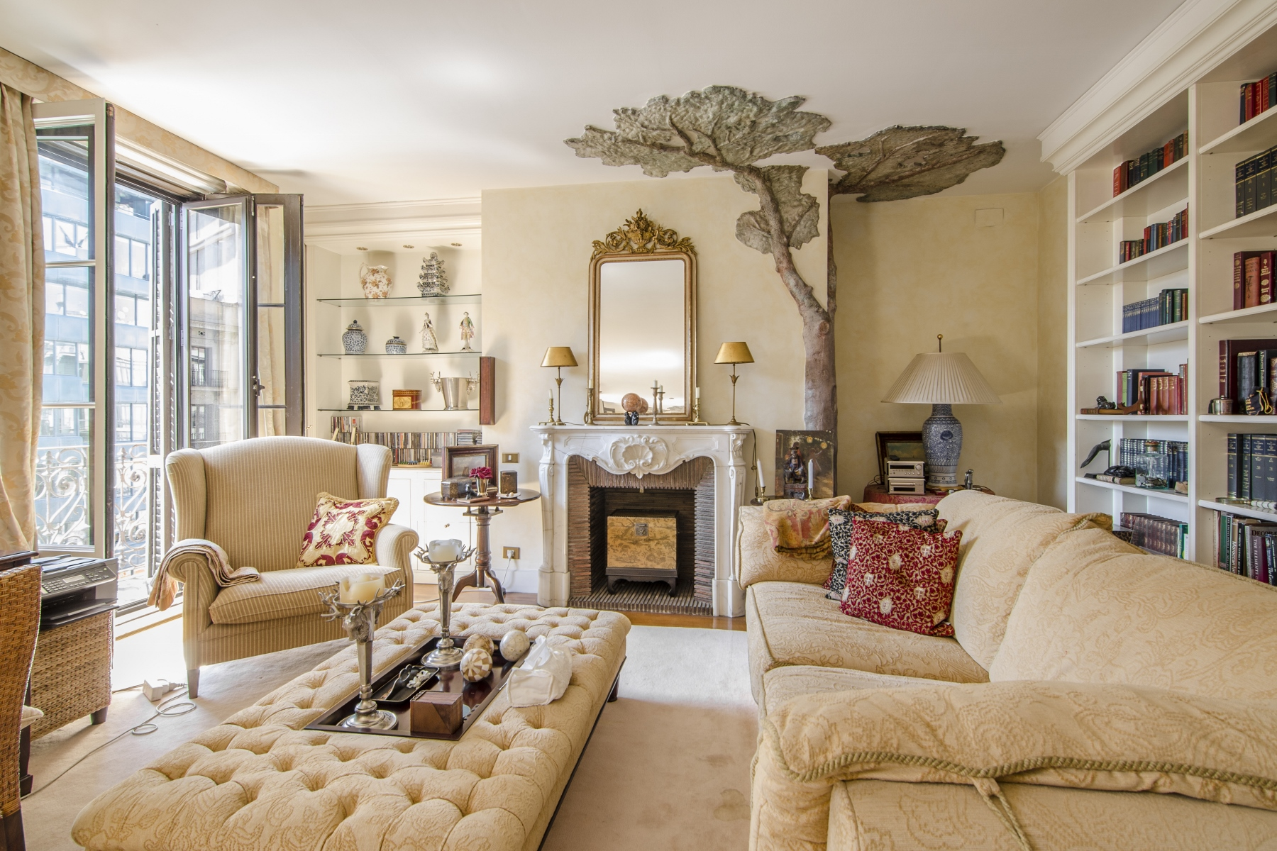 Apartment for Sale at Elegant and Spacious Flat in a Regal Building in Right Eixample Eixample, Barcelona City, Barcelona, 08007 Spain