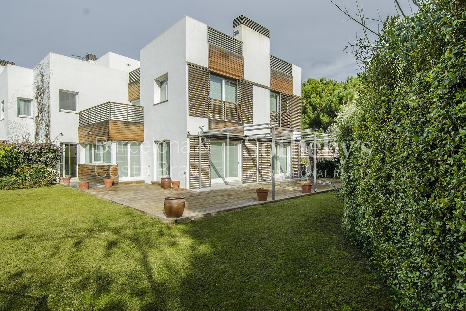 Casa para uma família para Venda às Classic and Mediterranean: the essence of Sitges Sitges, Barcelona 08870 Espanha