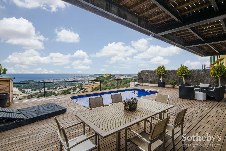 Einfamilienhaus für Verkauf beim Excellent property with views to Sitges Sitges, Barcelona 08870 Spanien