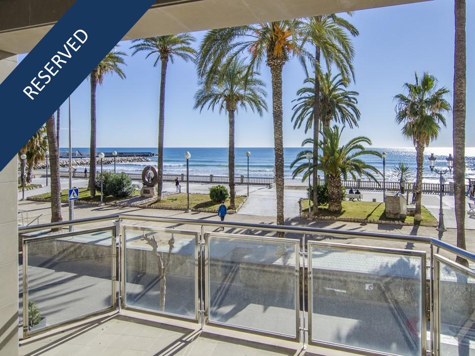 Apartamento por un Venta en Fantastic apartment in front of the Sitges beach Sitges, Barcelona, 08870 España