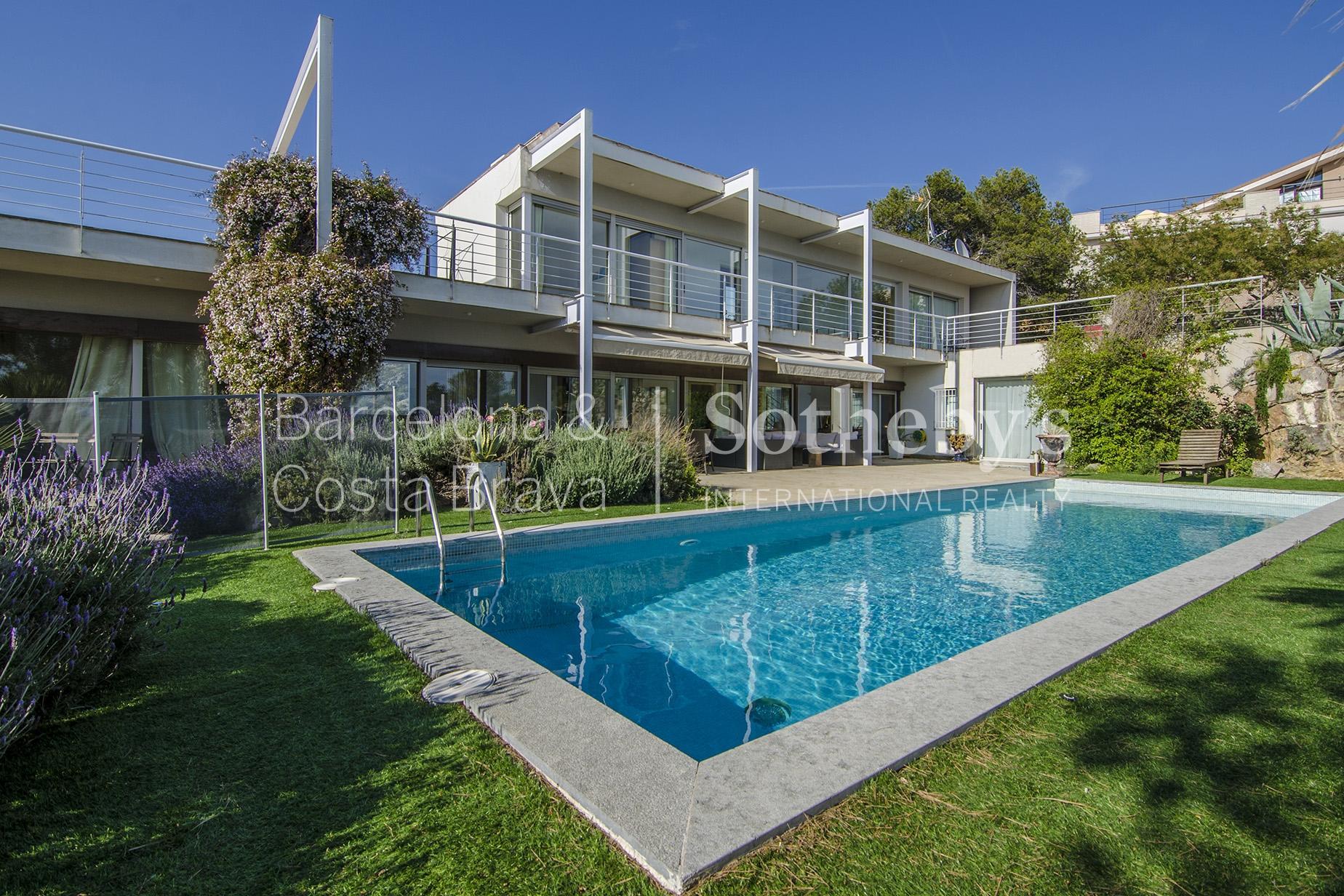 Casa para uma família para Venda às Spectacular Luxury House with Panoramic Sea Views Sitges, Barcelona 08870 Espanha