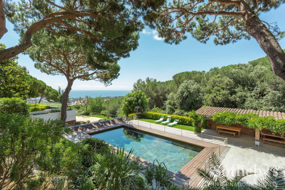 Einfamilienhaus für Verkauf beim House inspired by Frank Lloyd Wright in Llavaneras Sant Andreu De Llavaneres, Barcelona 08392 Spanien