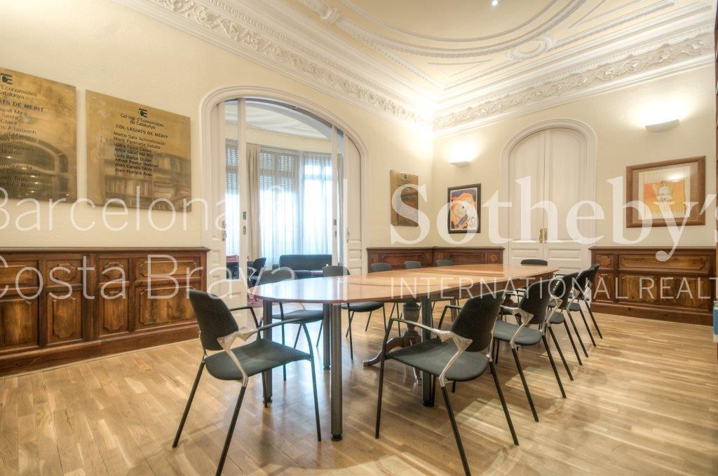 公寓 為 出售 在 Beautiful Apartment to Reform in Diagonal Avenue Eixample, Barcelona City, Barcelona 08007 西班牙