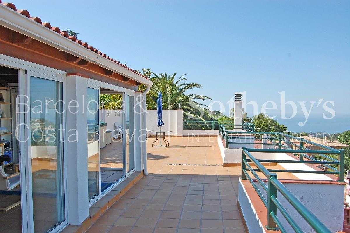 公寓 为 销售 在 Wonderful apartment with sea views Lloret De Mar, Costa Brava 17310 西班牙