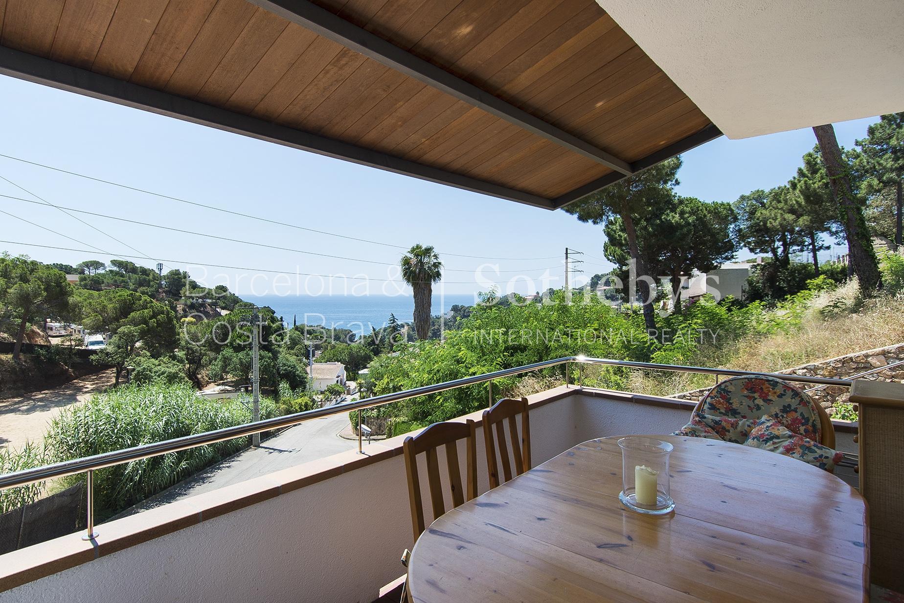 独户住宅 为 销售 在 Casa en Cala Canyelles con vistas al mar Lloret De Mar, Costa Brava 17310 西班牙