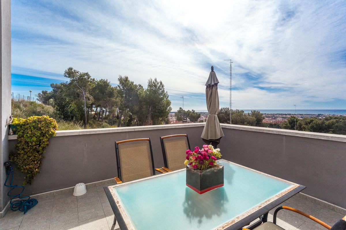Maison unifamiliale pour l Vente à House with Stunning Views in Castelldefels Castelldefels, Barcelona 08866 Espagne