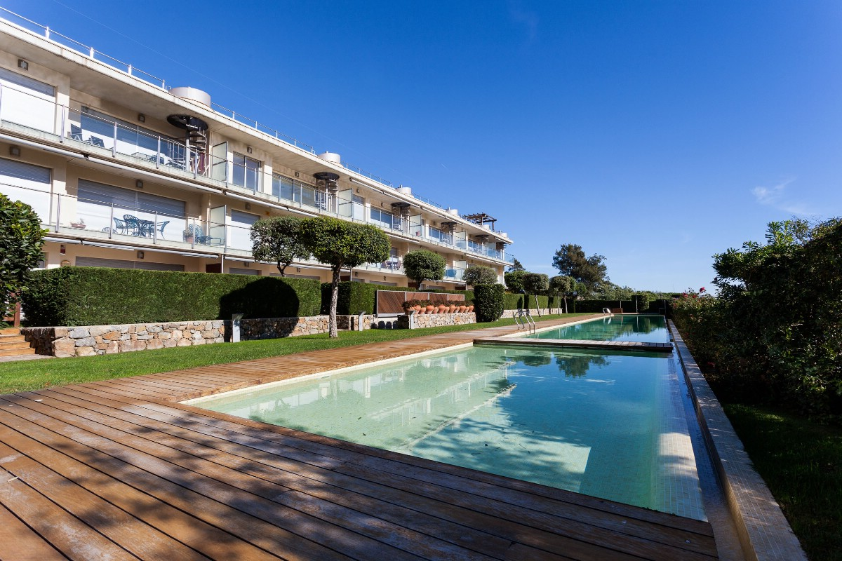 Apartment for Sale at Modern apartment 280m from the beach of Sant Pol in S'Agaró S'Agaro, Costa Brava, 17248 Spain