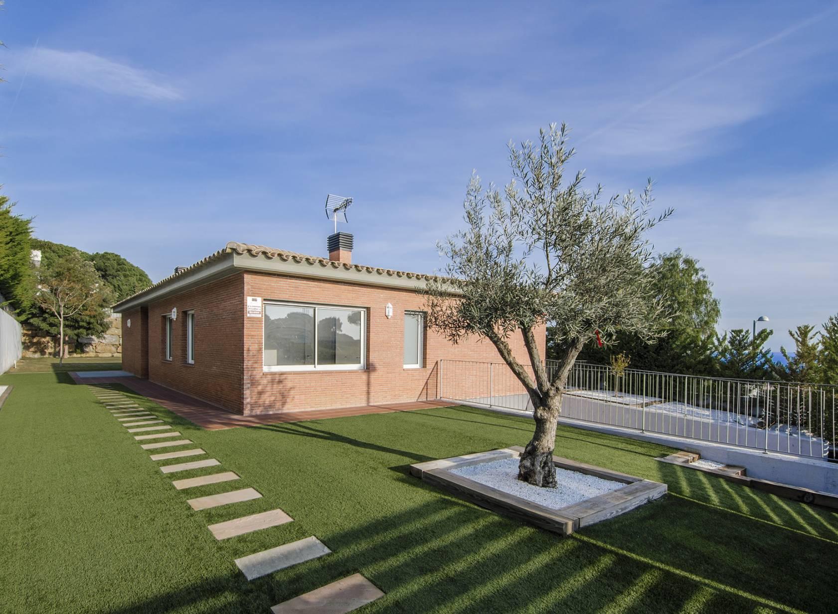 獨棟家庭住宅 為 出售 在 A House with Pool in the Golf of Sant Vicenç de Montalt Sant Andreu De Llavaneres, Barcelona, 08392 西班牙