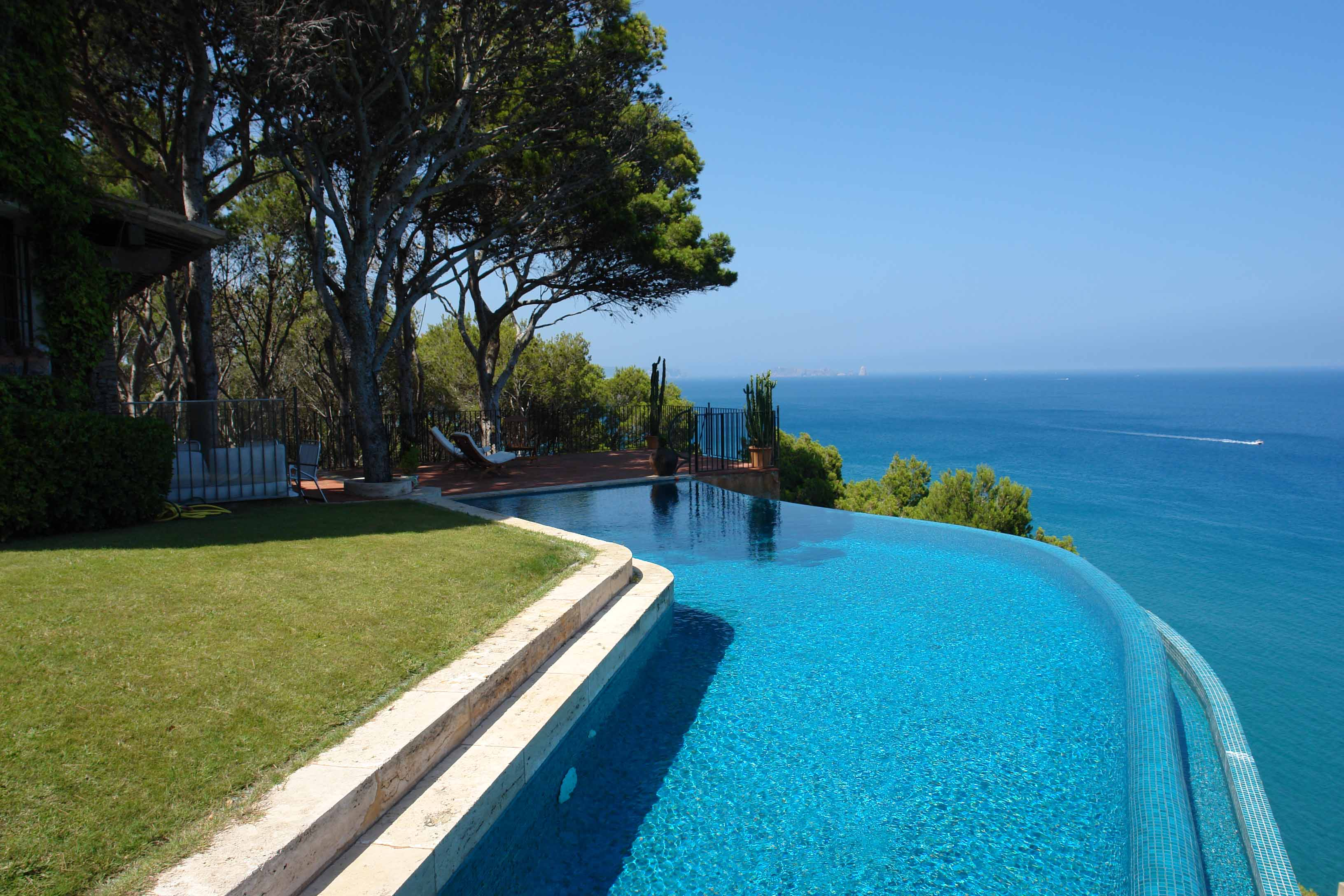 Single Family Home for Sale at A diamond in the rough in Sa Riera, Begur with views Begur, Costa Brava 17255 Spain