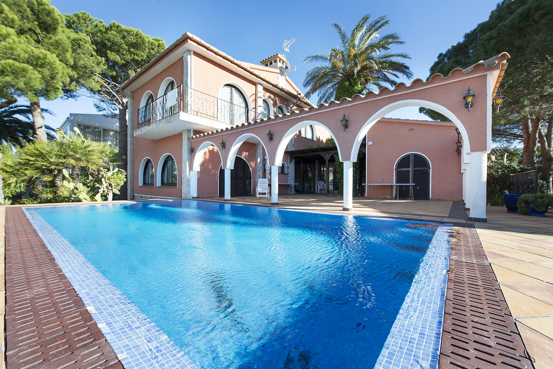 Vivienda unifamiliar por un Venta en Beautiful big house with 30m mooring in Empuriabrava Empuriabrava, Costa Brava, 17487 España