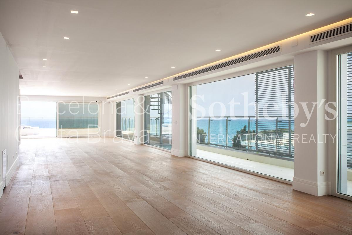 Căn hộ vì Bán tại Unique seafront penthouse Sant Andreu De Llavaneres, Barcelona 08392 Tây Ban Nha