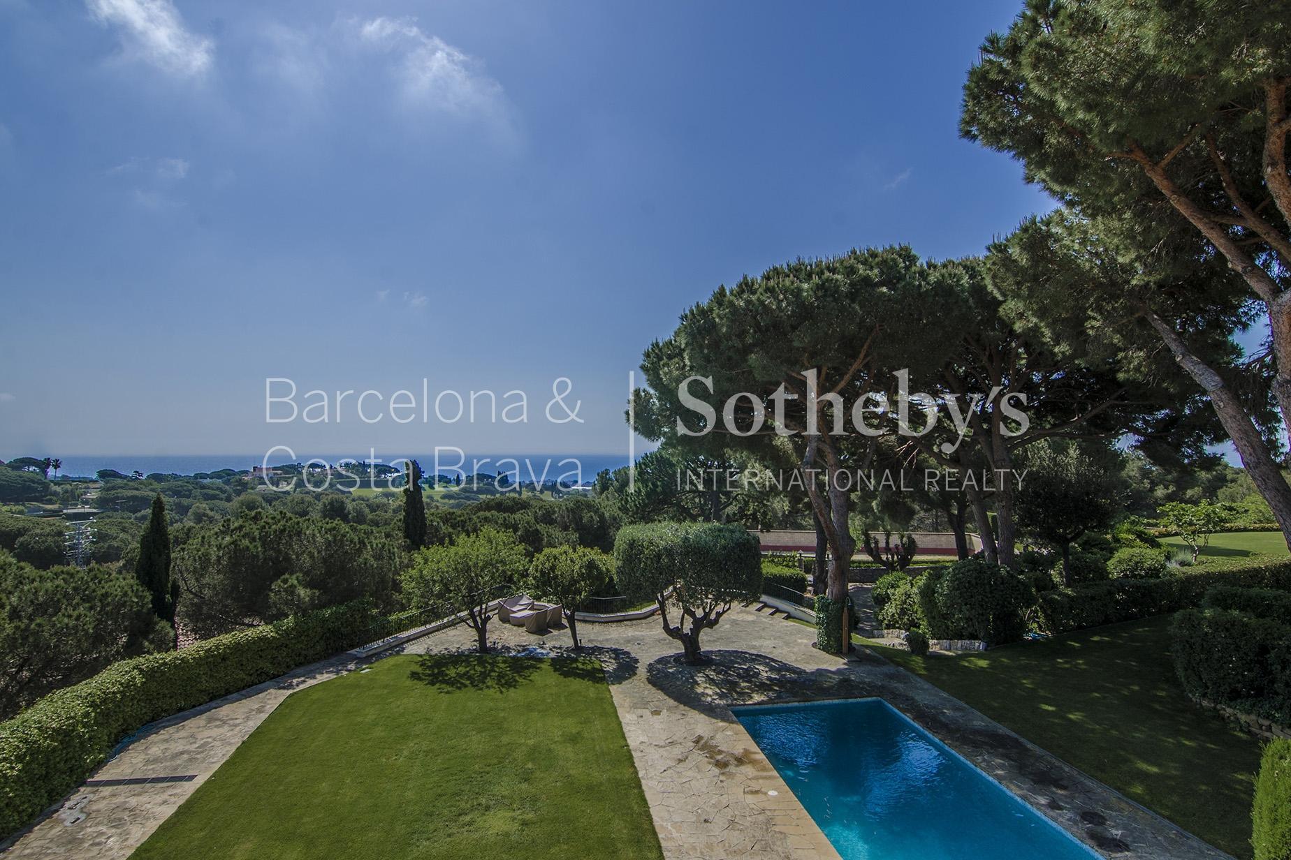 Maison unifamiliale pour l Vente à Expansive and Bright Estate in Maresme Sant Andreu De Llavaneres, Barcelona 08392 Espagne