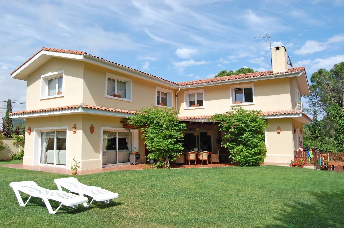 Single Family Home for Sale at Wonderful villa close to the beach and town Lloret De Mar, Costa Brava, 17310 Spain