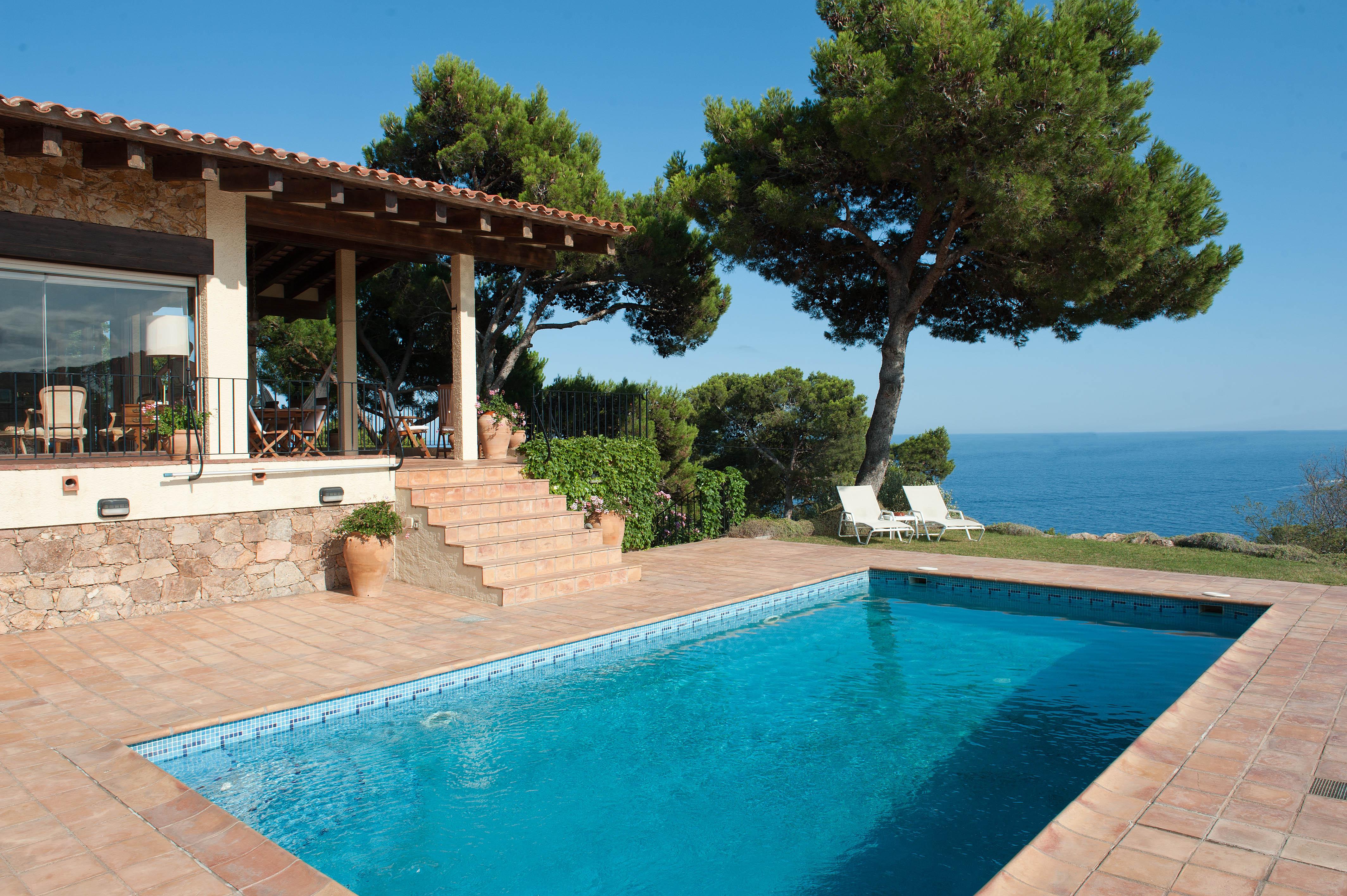 Einfamilienhaus für Verkauf beim House in Tamariu with beautiful views on a unique plot Tamariu, Costa Brava 17212 Spanien