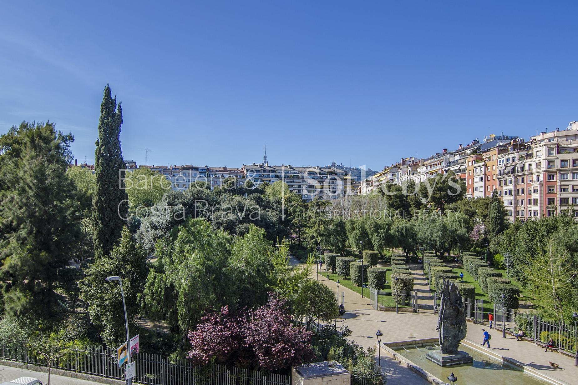 公寓 为 销售 在 Luxurious Apartment Overlooking Turo Park Zona Alta, Barcelona City, Barcelona 08034 西班牙