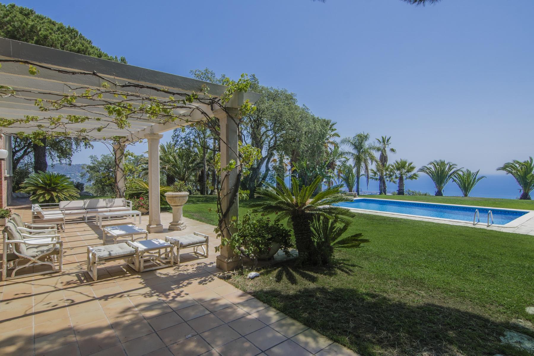 Villa per Vendita alle ore Magnificent Property with 5000 m2 of Land Vilassar De Mar, Barcellona 08340 Spagna