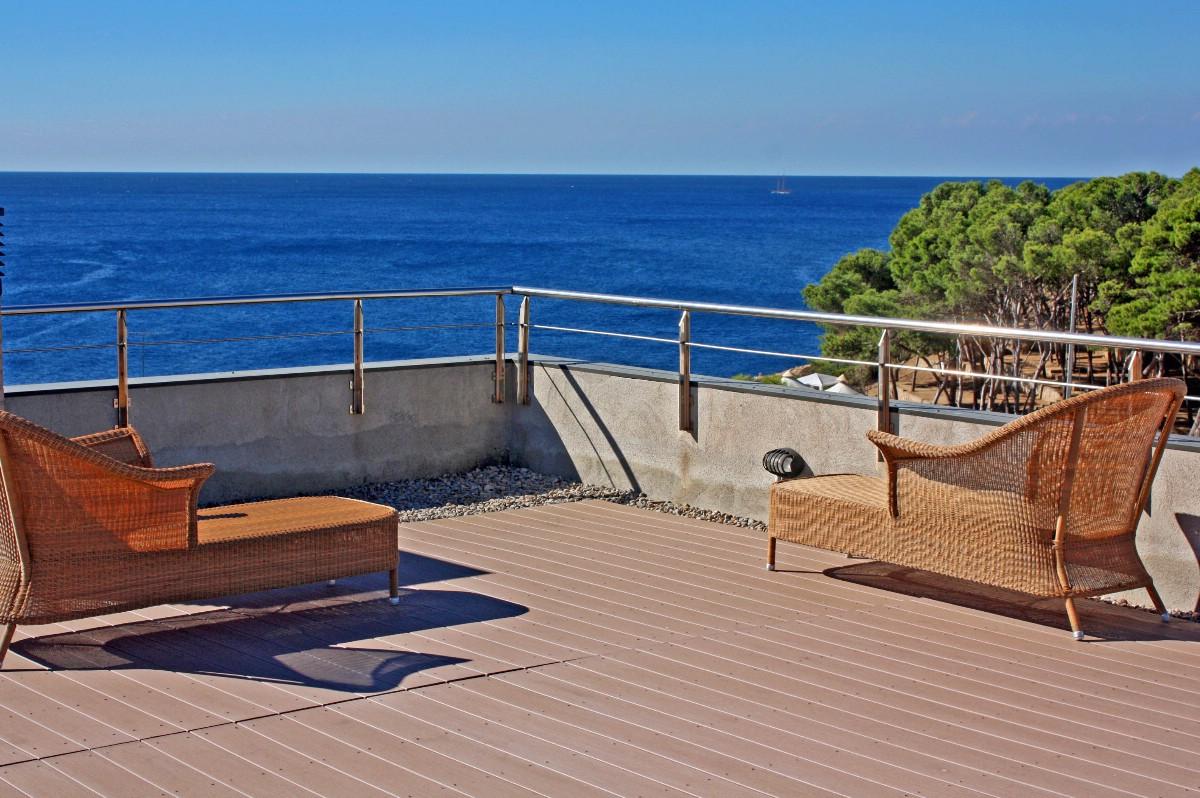 Vivienda unifamiliar por un Venta en Modern and luxury house for sale 100m from the beach of Palamós Palamos, Costa Brava, 17230 España