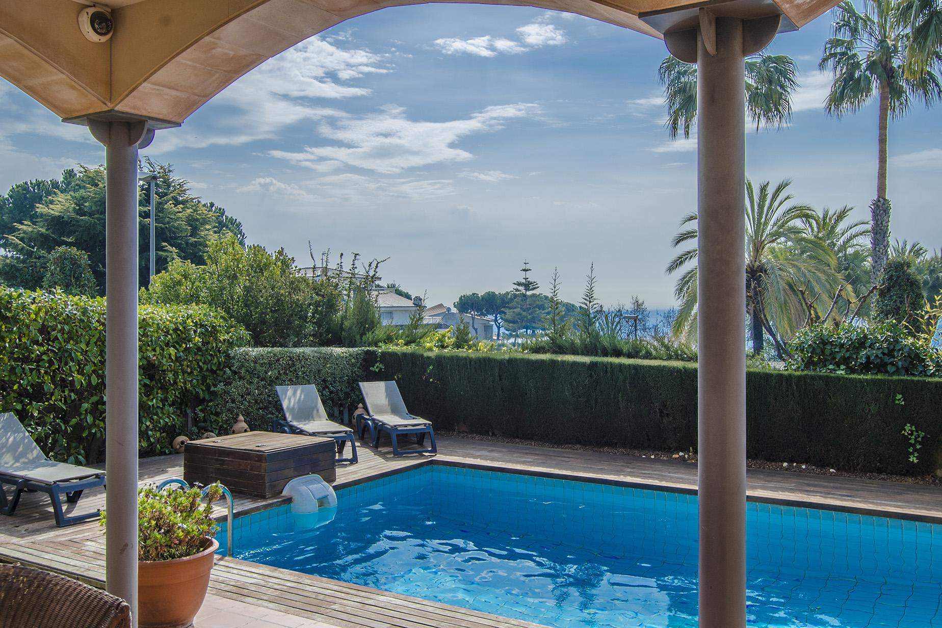 Einfamilienhaus für Verkauf beim The sun, beach and privacy in Alella Alella, Barcelona 08328 Spanien