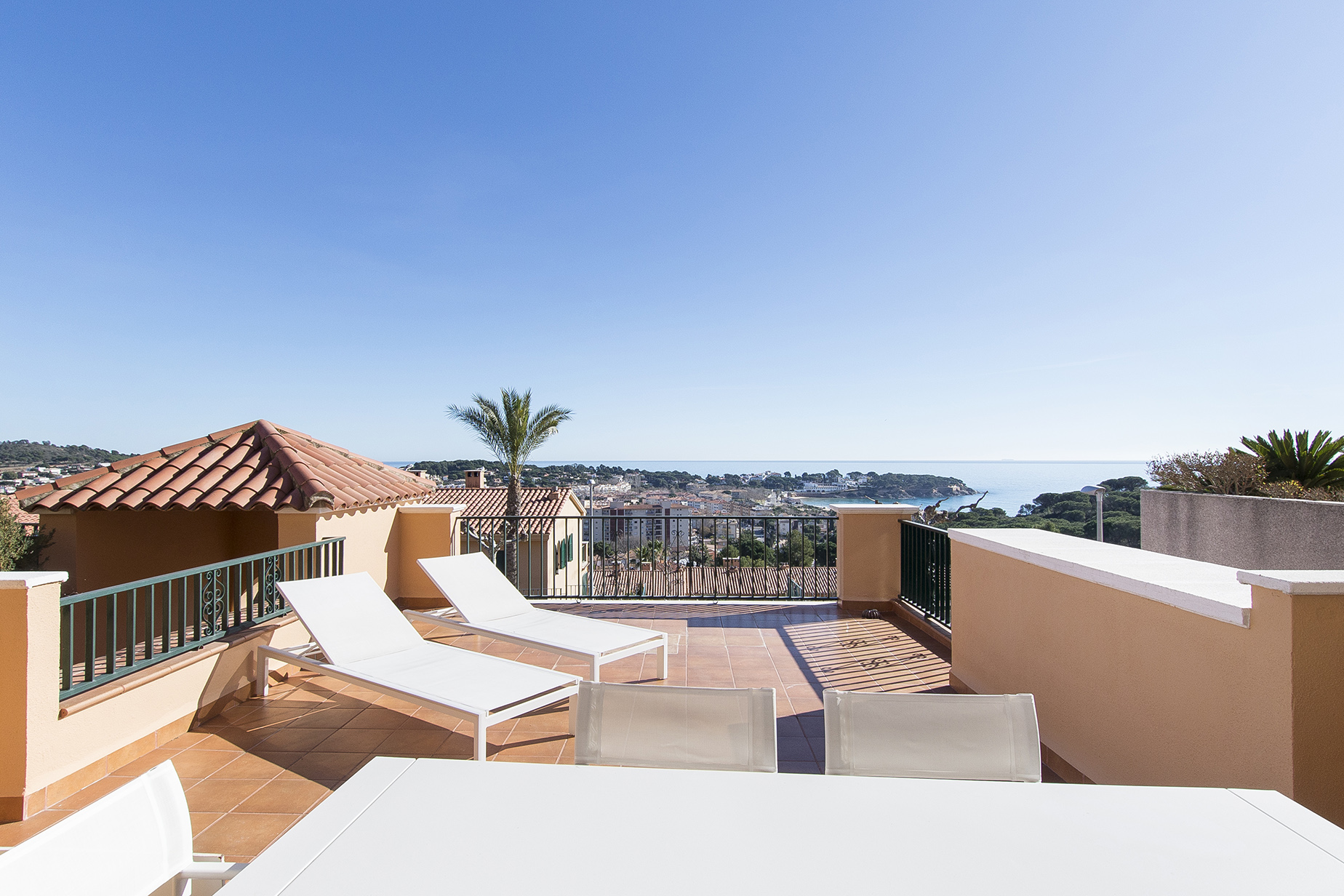 Single Family Home for Sale at Renovated terraced house with sea views in S'Agaro S'Agaro, Costa Brava, 17248 Spain