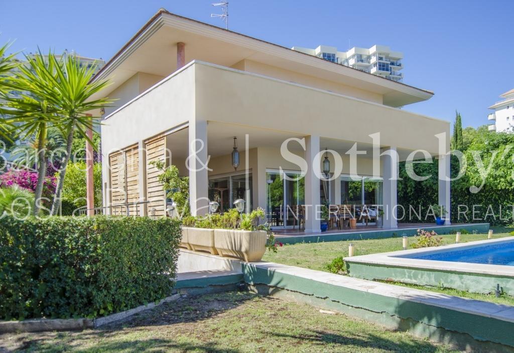Casa para uma família para Venda às Beautiful home with breathtaking views in Sitges Sitges, Barcelona 08870 Espanha