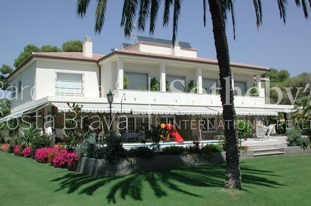 Property For Sale at Spacious Property with a Garden in Sitges at Only a Few Steps from the Beach