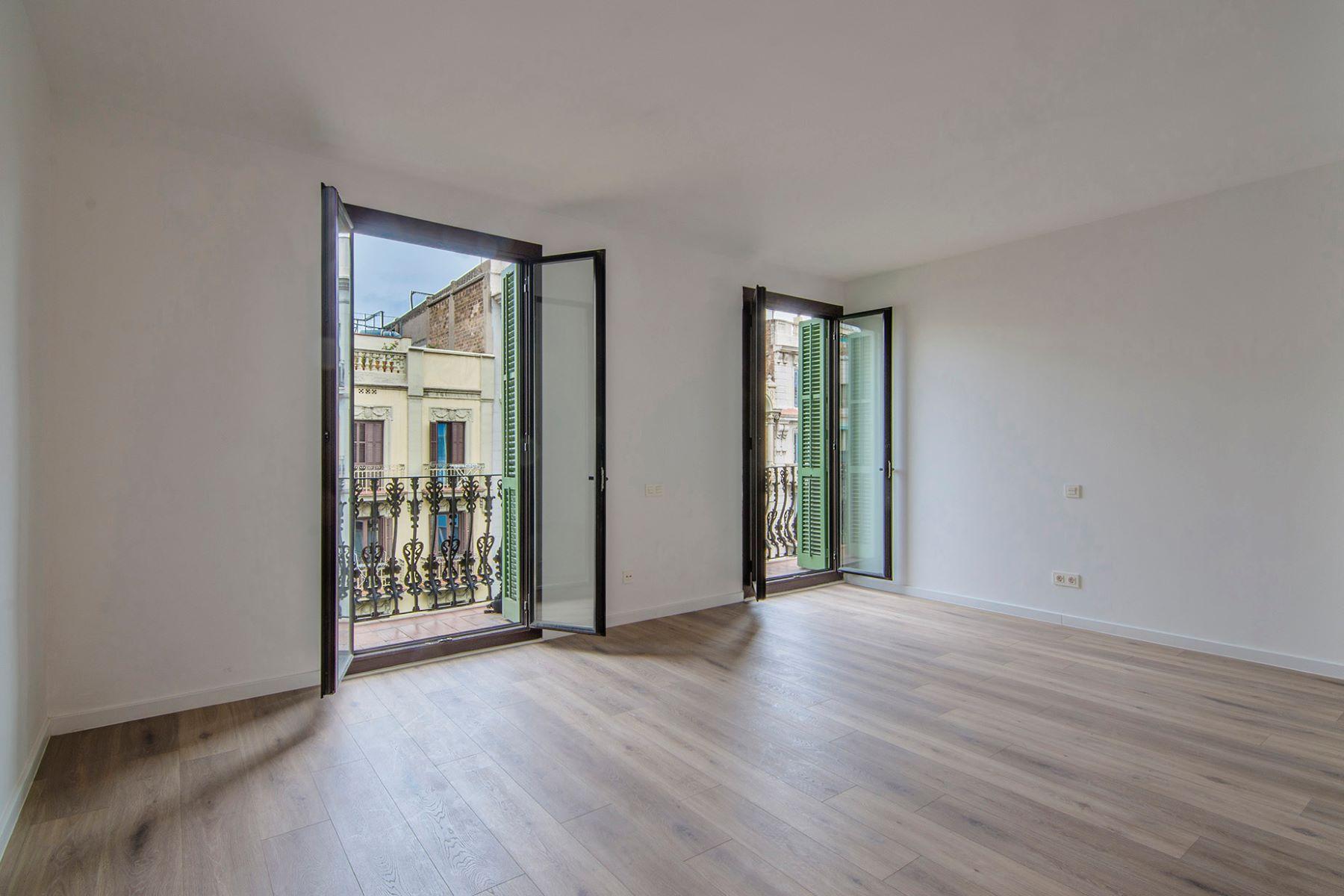 Apartamento por un Venta en Apartment to move to in teh Left Side of Eixample Barcelona City, Barcelona, 08007 España