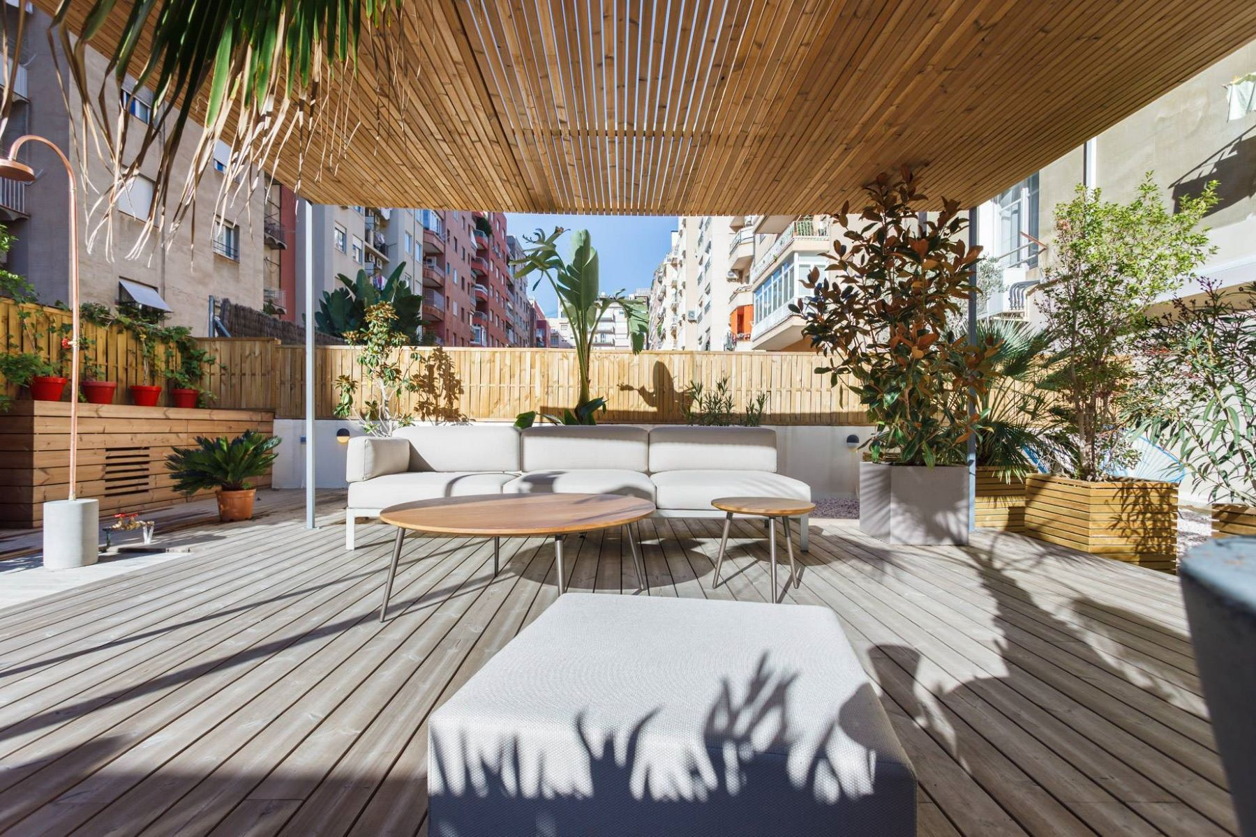 Appartement pour l Vente à Apartment with a Unique Terrace in the Turó Parc Barcelona City, Barcelona, 08034 Espagne