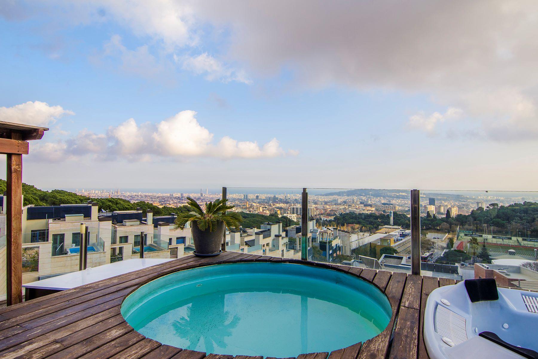 Einfamilienhaus für Verkauf beim Recently Renovated Sarria Villa with Views Barcelona City, Barcelona, 08034 Spanien