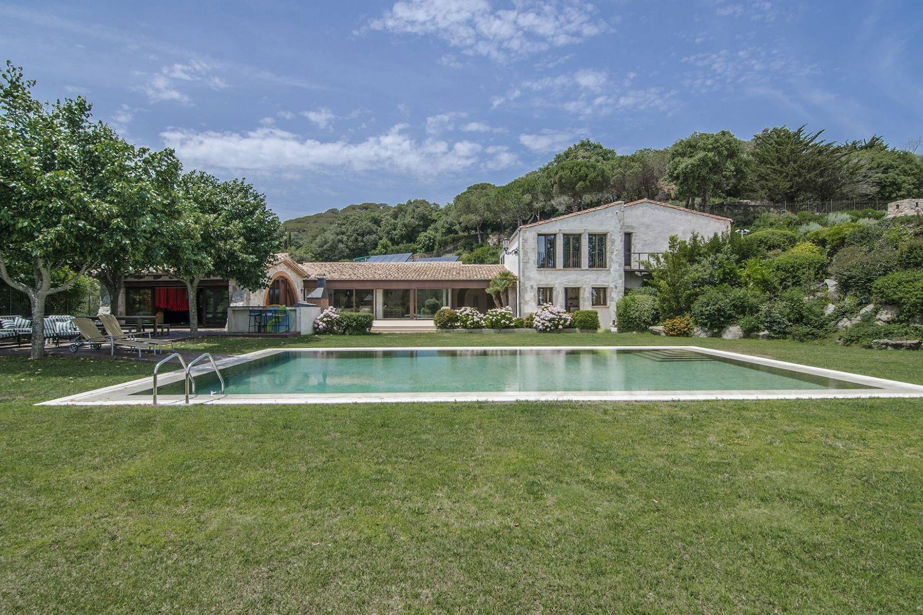 獨棟家庭住宅 為 出售 在 Exclusive historical mansion with more than 72 hectares Sant Andreu De Llavaneres, Barcelona, 08392 西班牙