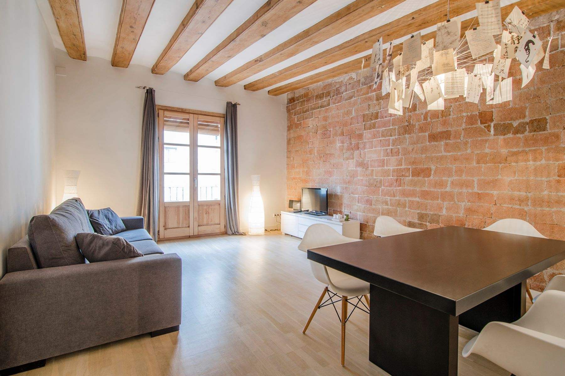 Apartment for Sale at Bright and Renovated Apartment in the Heart of Born Barcelona City, Barcelona, 08002 Spain